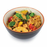 Mixed HAKKA noodles wth chicken, pork, shrimps and mushrooms in Sambala sauce