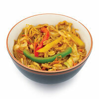 UDON noodles with chicken, vegetables and peanuts in Pad Thai sauce